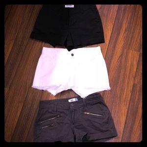 3 pairs of size 0 Old Navy Shorts